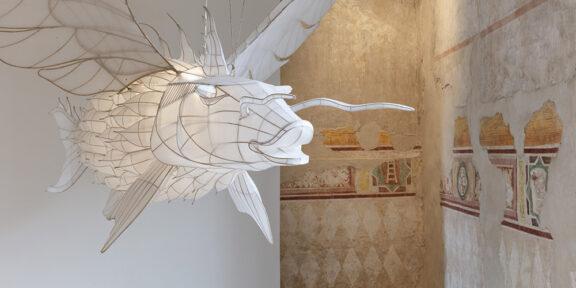 Fantastic Utopias - AI WEIWEI 'Feiyu' 2015, bambù e seta, 320 x 200 x 60 cm; 126 x 78,7 x 23,6 pollici. Cortesia: l'artista e GALLERIA CONTINUA. Foto Andrea Rossetti