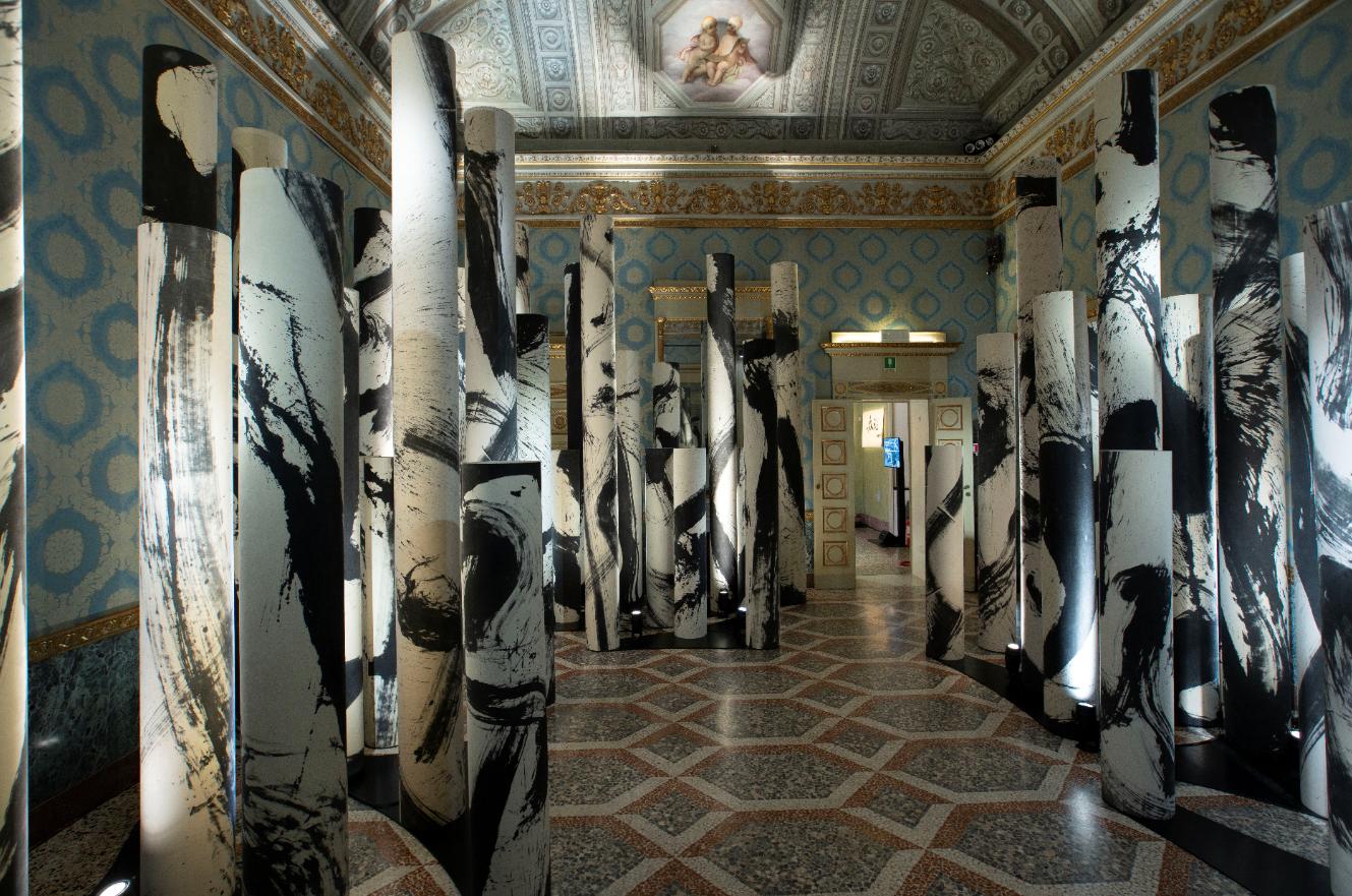 La calligrafia come immersione culturale: Out of the Blue porta la Cina a Milano
