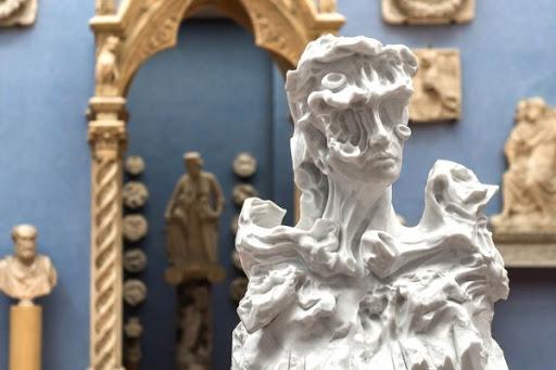 Marmo come plastilina. Le anime scultoree di Kevin Francis Gray dialogano con la collezione del Museo Bardini di Firenze