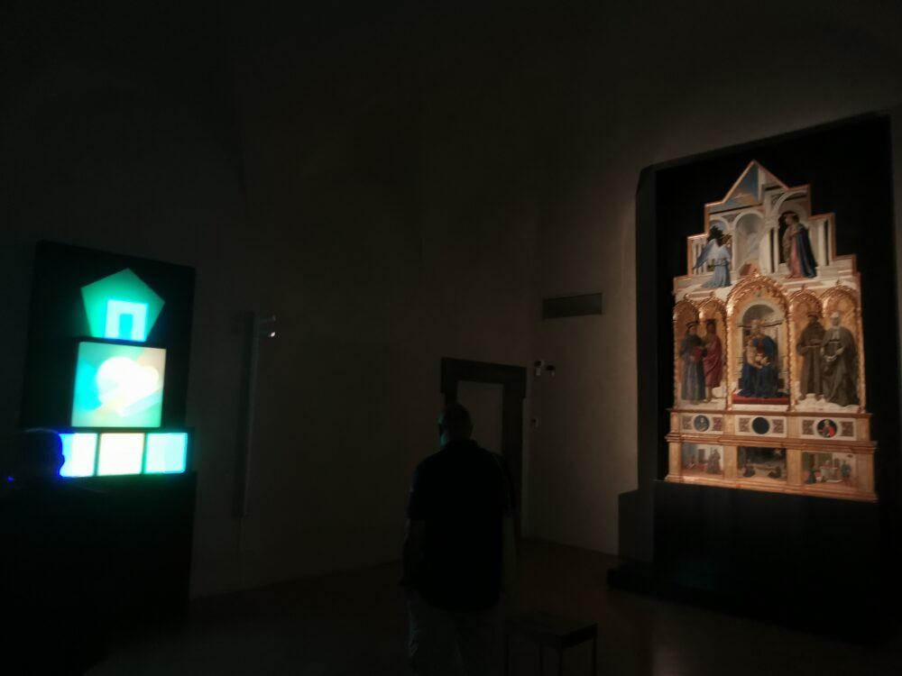 La Lightbox di Brian Eno in dialogo con il Polittico di Sant'Antonio di Piero della Francesca