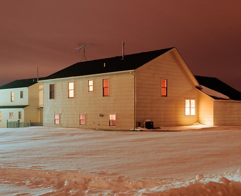Le case americane di notte. Visita allo studio di Todd Hido