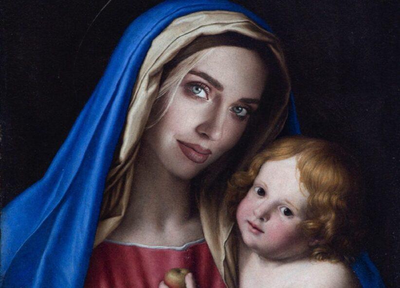 Chiara Ferragni raffigurata come una Madonna col bamino