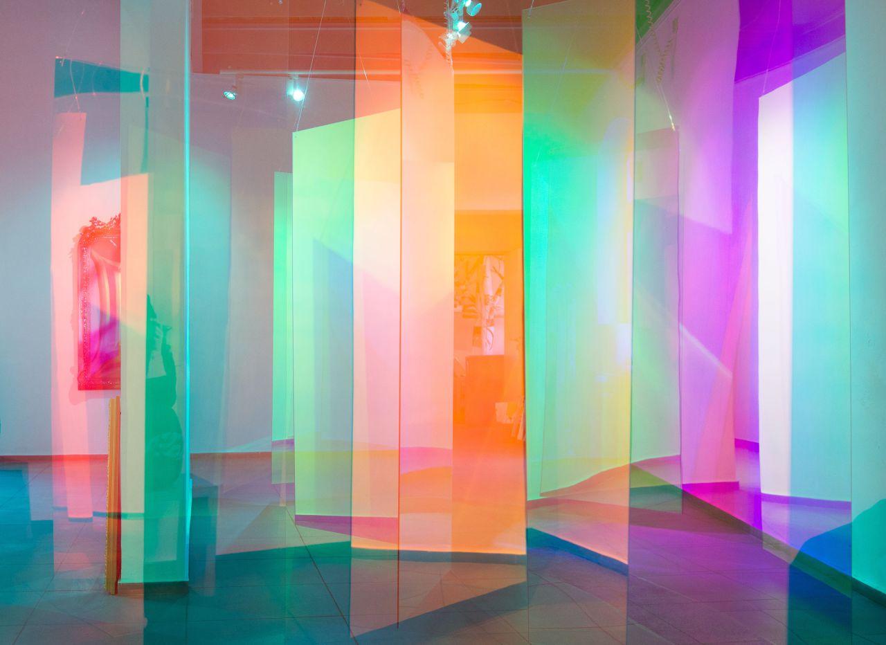 Vita su Tralfamadore, la collettiva di The Flat – Massimo Carasi dove l'arte prende forma nello spazio tempo