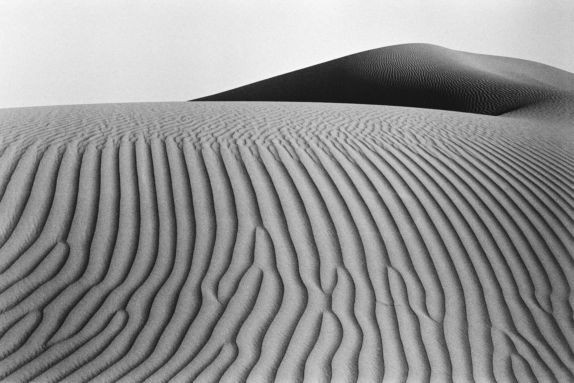 Il viaggio di John R. Pepper tra i più remoti deserti del pianeta in mostra a Todi