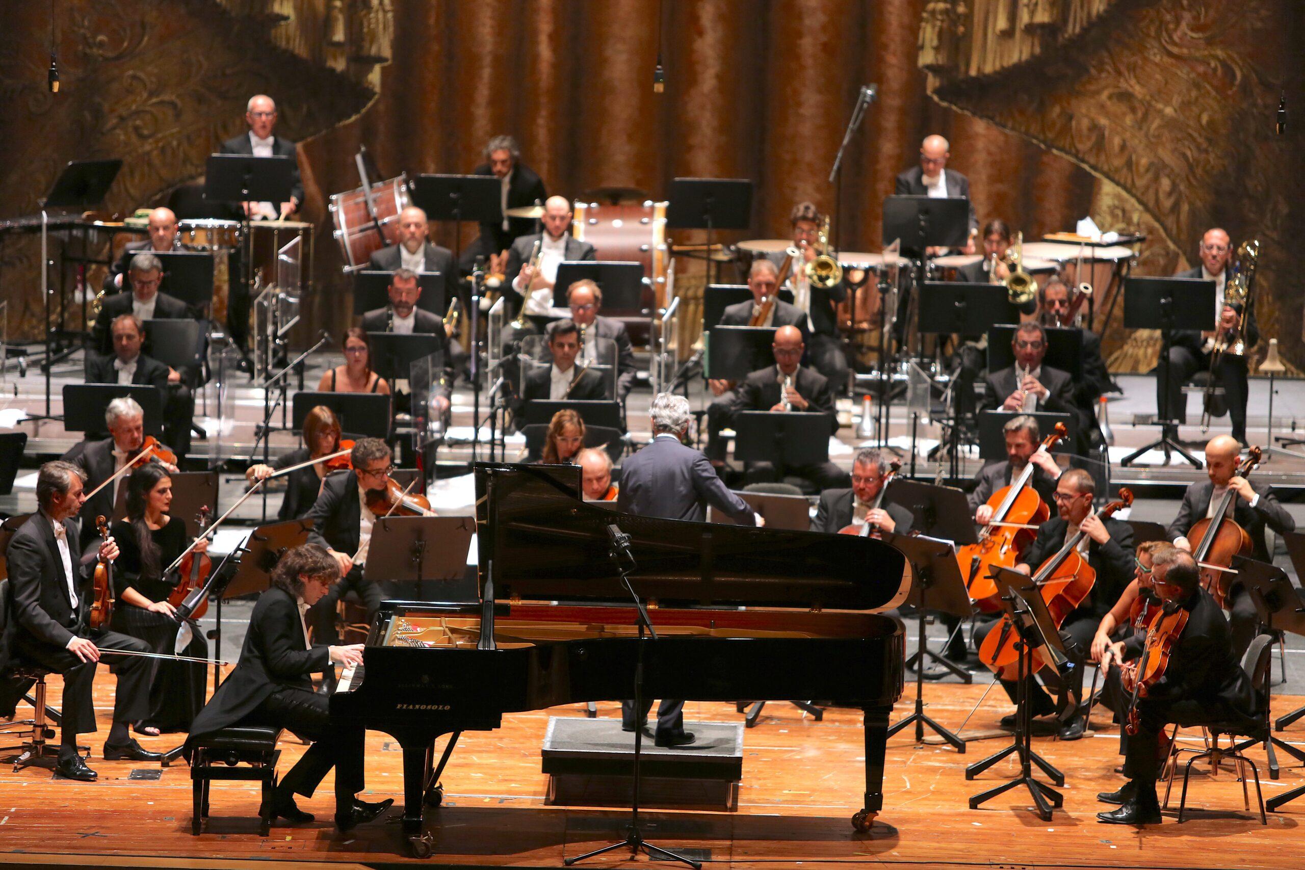 ll bello della musica. Il concerto per l'apertura della Stagione Sinfonica al Carlo Felice