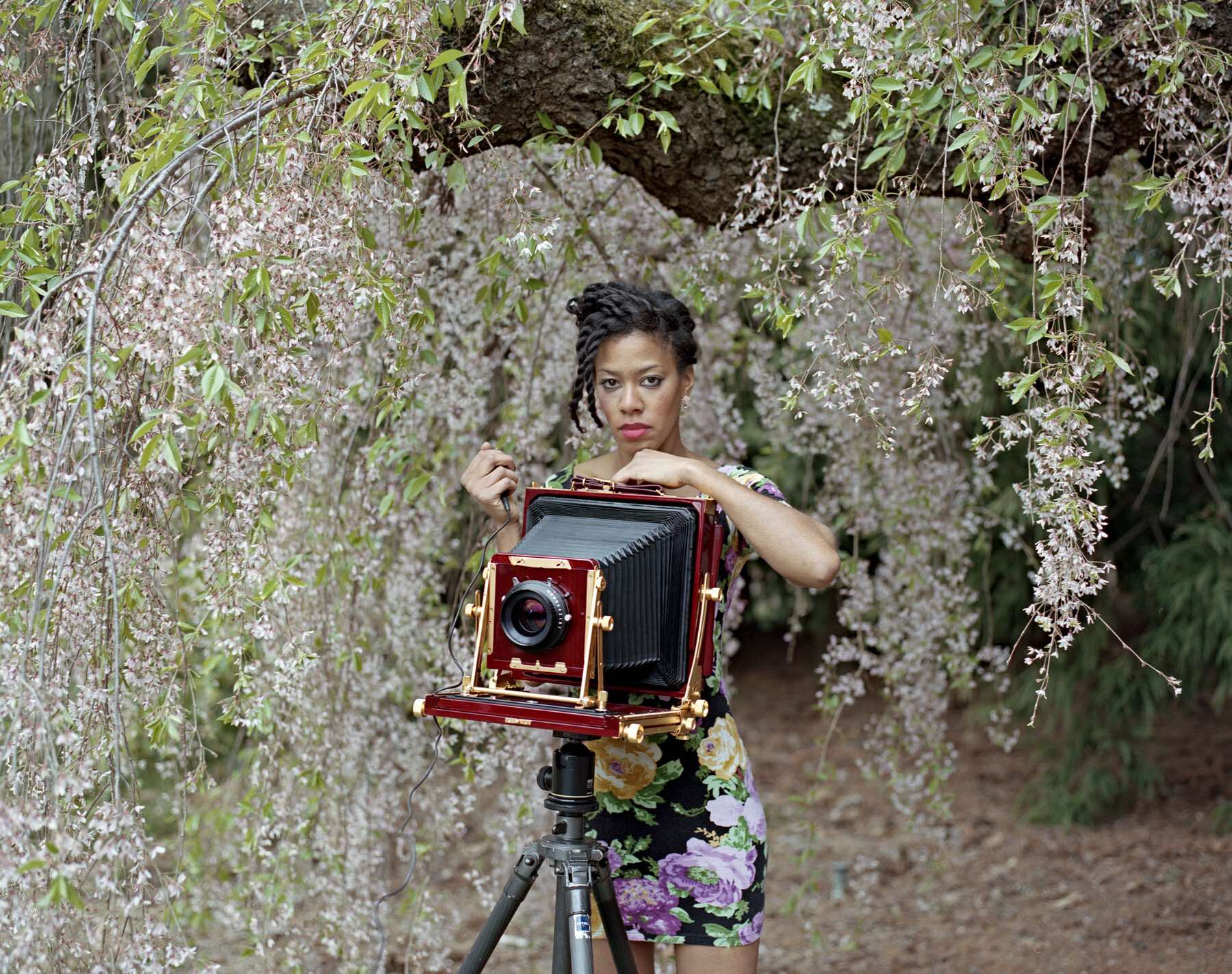 Deana Lawson: per la prima volta la fotografia trionfa all'Hugo Boss Prize