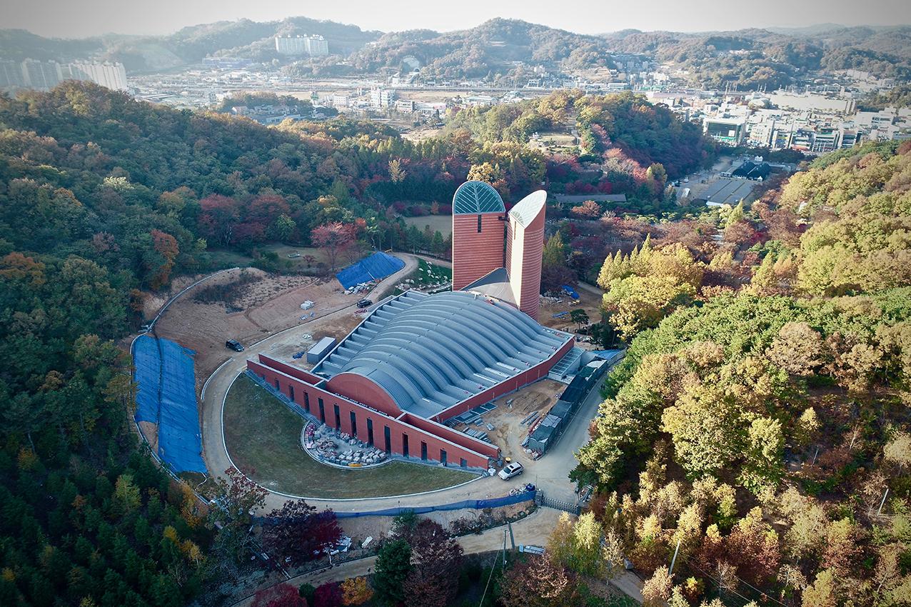 Dopo il Giappone, la Corea del Sud: le opere di Giuliano Vangi conquistano l'Oriente