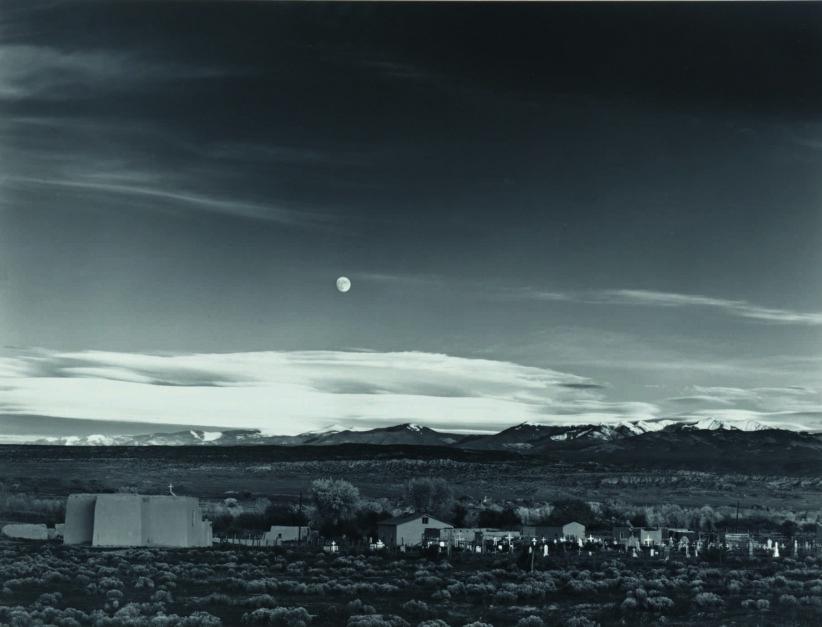 Sotheby's Ansel Adams, Moonrise, Hernandez, New Mexico ($700,000/1 milione)