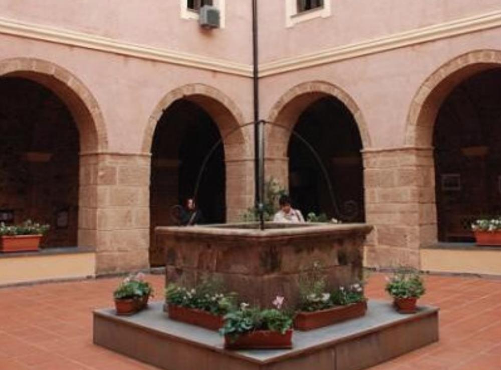 Il cortile dell'ex Convento del Carmelo, a Sassari