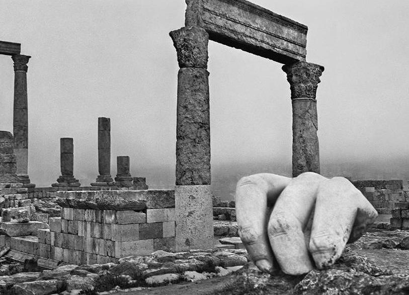 Le rovine come allegoria del mondo. In mostra a Parigi le panoramiche di Josef Koudelka