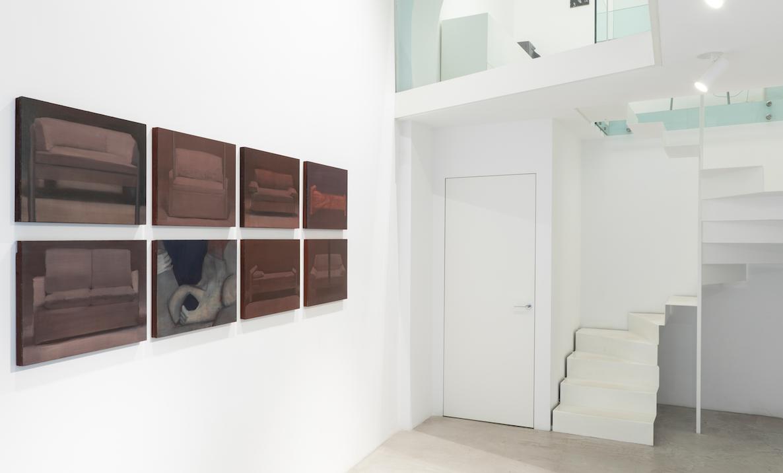 Lo spazio come santuario. Kassapis, Urrutia e Costa alla MAAB Gallery di Milano