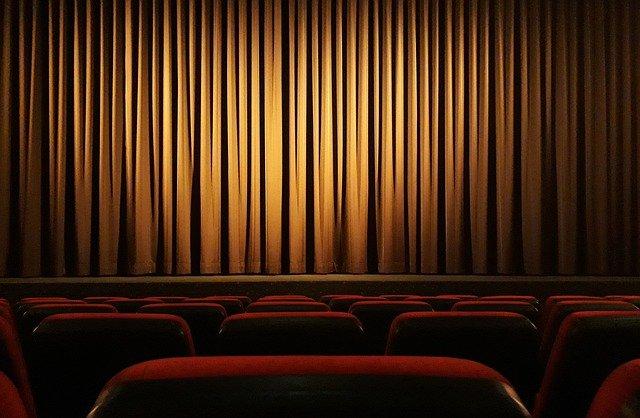 Gli Assessori alla Cultura contro Conte: giù le mani da cinema e teatri!