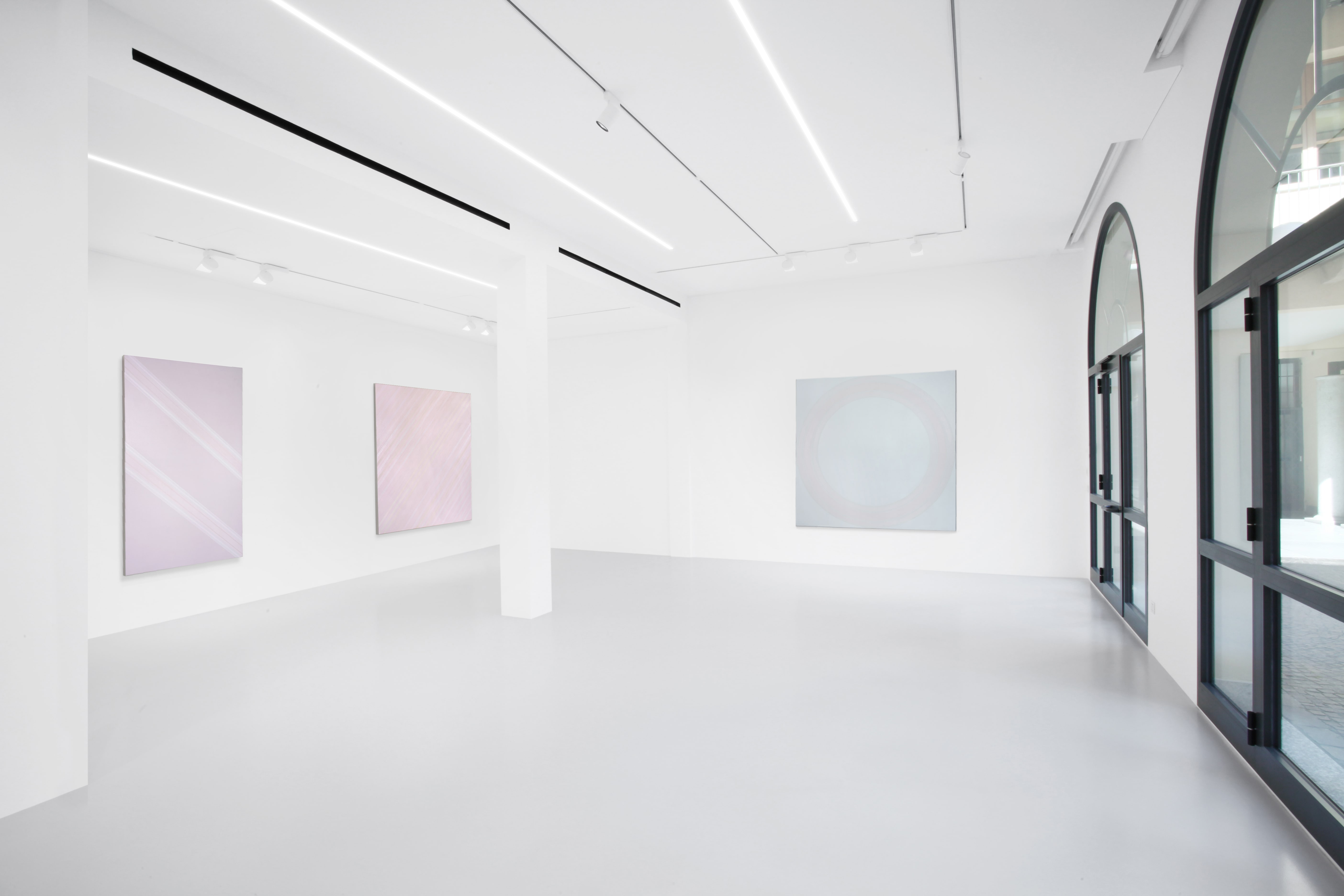 Vincenzo Satta, maestro di forme e colori. La mostra alla galleria 10 A.M. ART di Milano