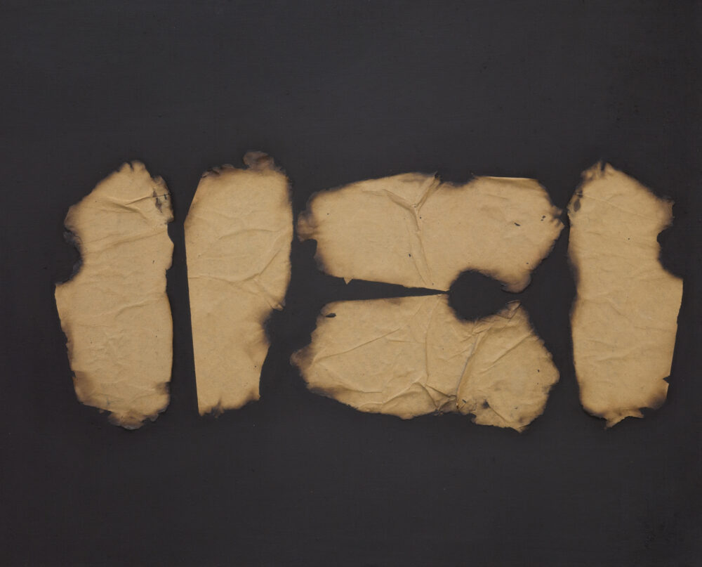 Turi Simeti, Collage di carta bruciata su tela, 1961, 64x80 cm