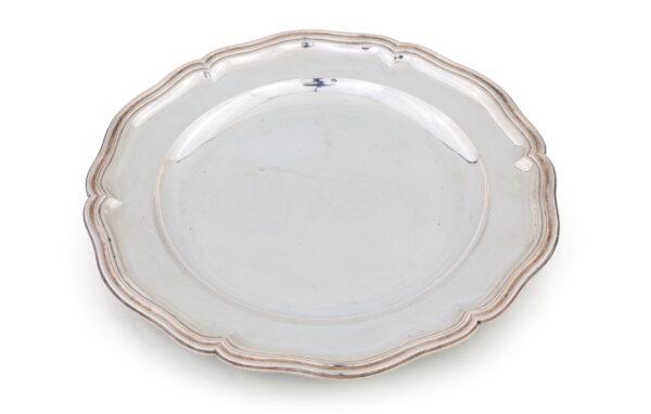 Lotto 161 - Piatto circolare in argento, Roma Stato Pontificio, argentiere Pietro Paolo Spagna (attivo dal 1817 al 1861). Stima 750-900 euro
