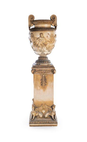 Lotto 336 - Vaso a calice in terracotta di Signa. Dimensioni: cm 200x50x50. Stima 2.300-2.500 euro