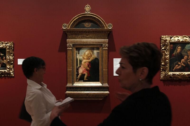 La Madonna con Bambino di Botticelli presente agli Uffizi e simile a quella sparita nel nulla