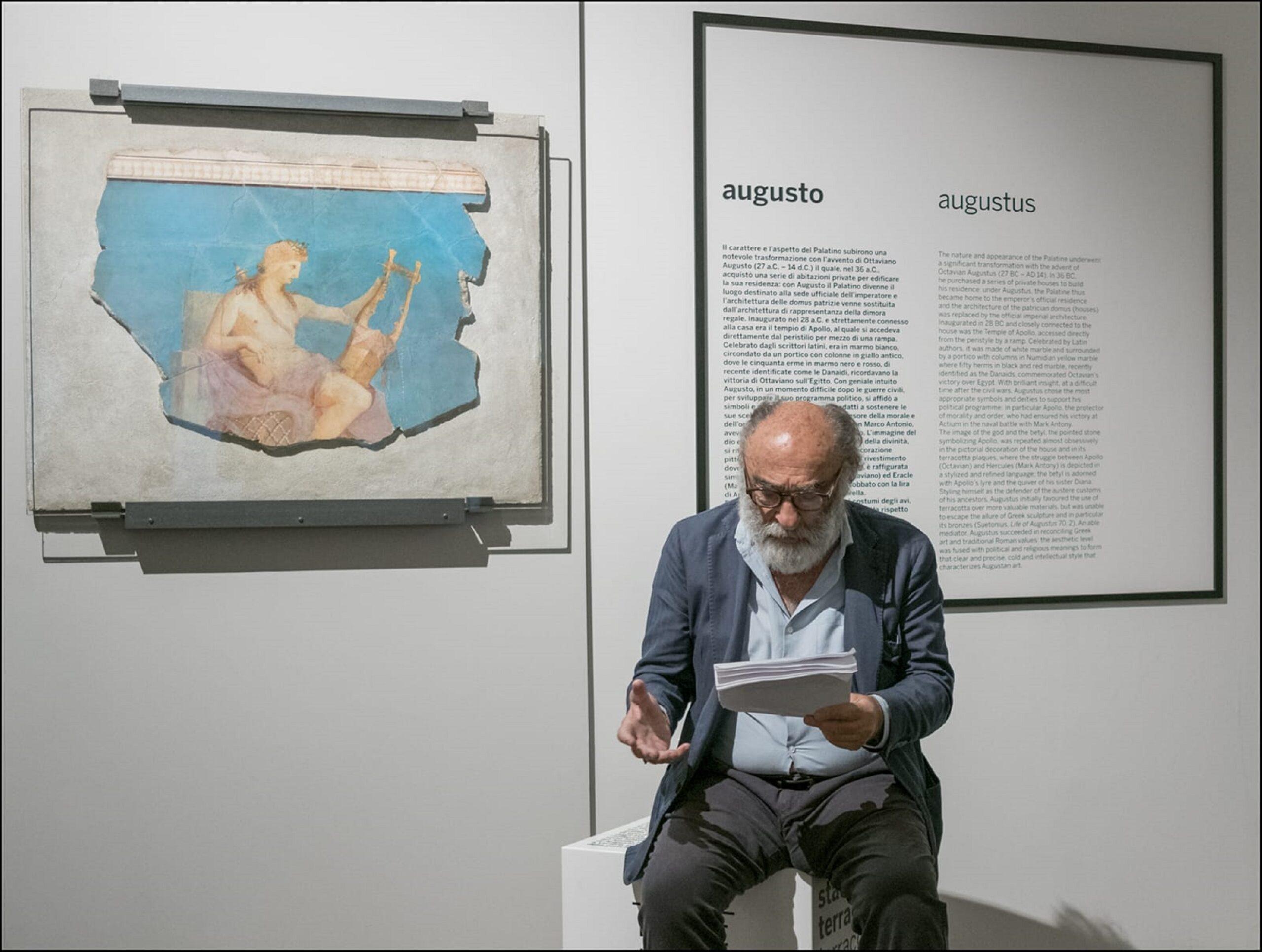 """""""Canti di Pietra"""" di Gabriele Tinti. La performance di Alessandro Haber al Museo Palatino"""