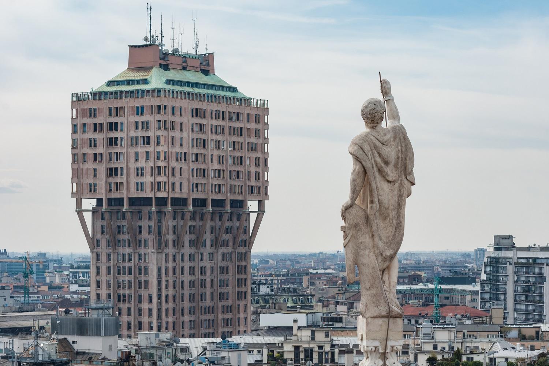 É cominciato il restauro della Torre Velasca