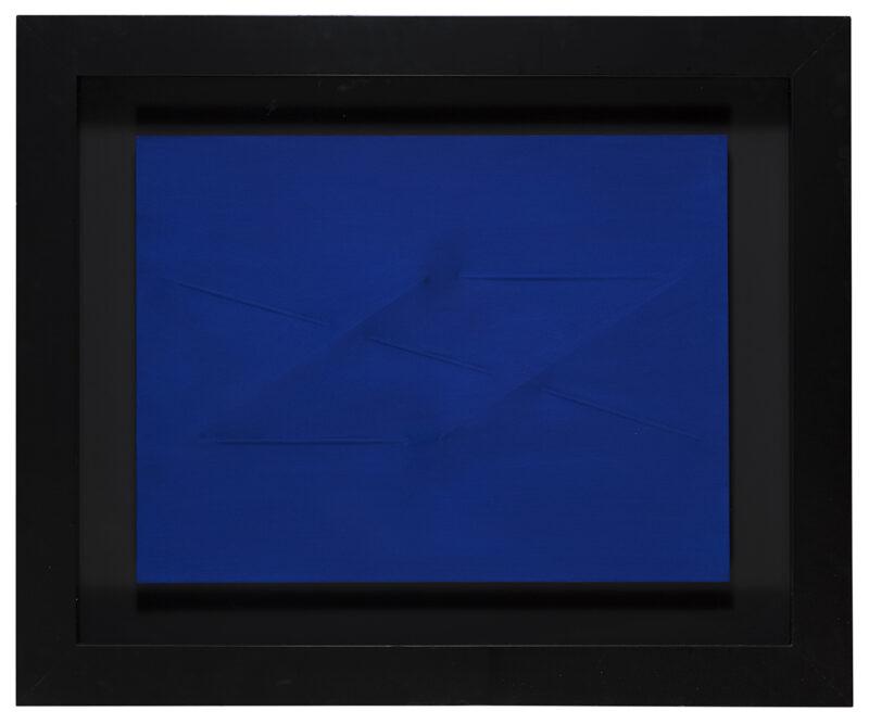 Acrilico ed estroflessione su tela color blu cobalto, cm. 60 x 80. Stima 70.000-75.000 euro