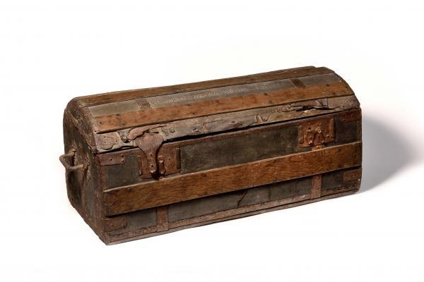 La cassapanca di Maria Antonietta venduta a Versailles dalla casa d'aste Osenat