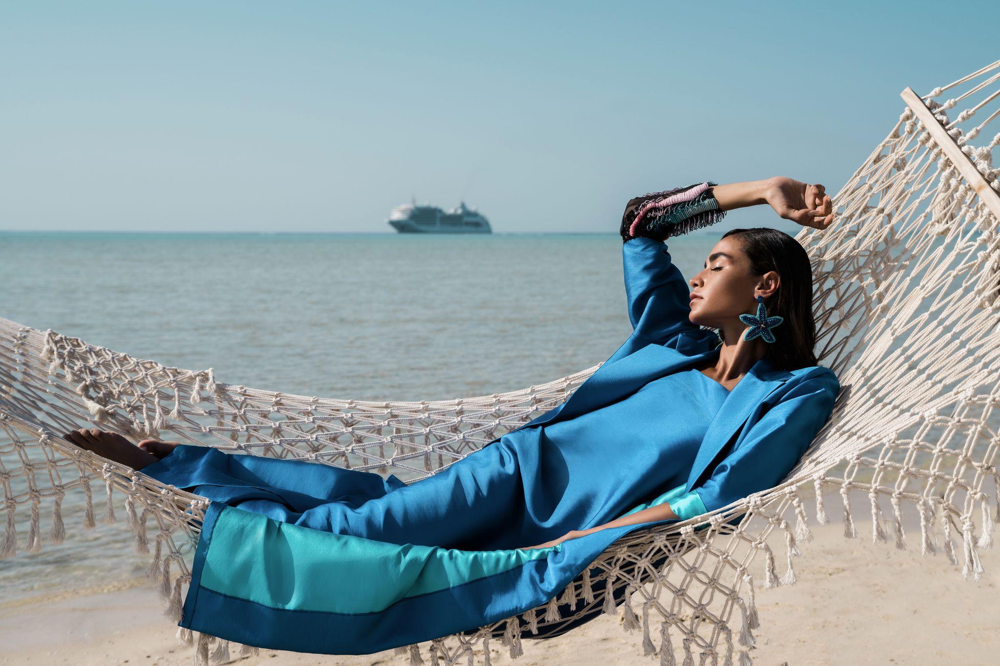 Samah Khashoggi: la prima fashion designer a mostrare il suo lavoro su una nave da crociera nel Regno dell'Arabia Saudita