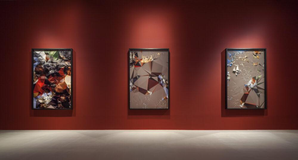 Quayola - Serie Iconographies 20 Tiger Hunt after Rubens, 2014 - Stampe digitali montate su alluminio - Installation view Paradise Art Space - Seoul, South Korea, 20182019