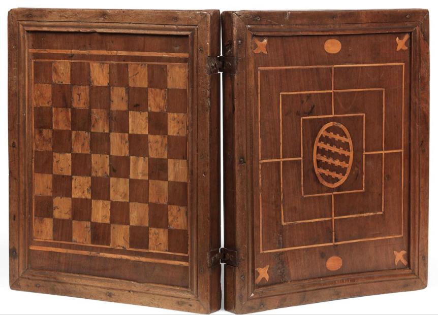Arredi antichi, icone russe e una collezione di modelli di mobili. L'asta a tempo di Farsetti