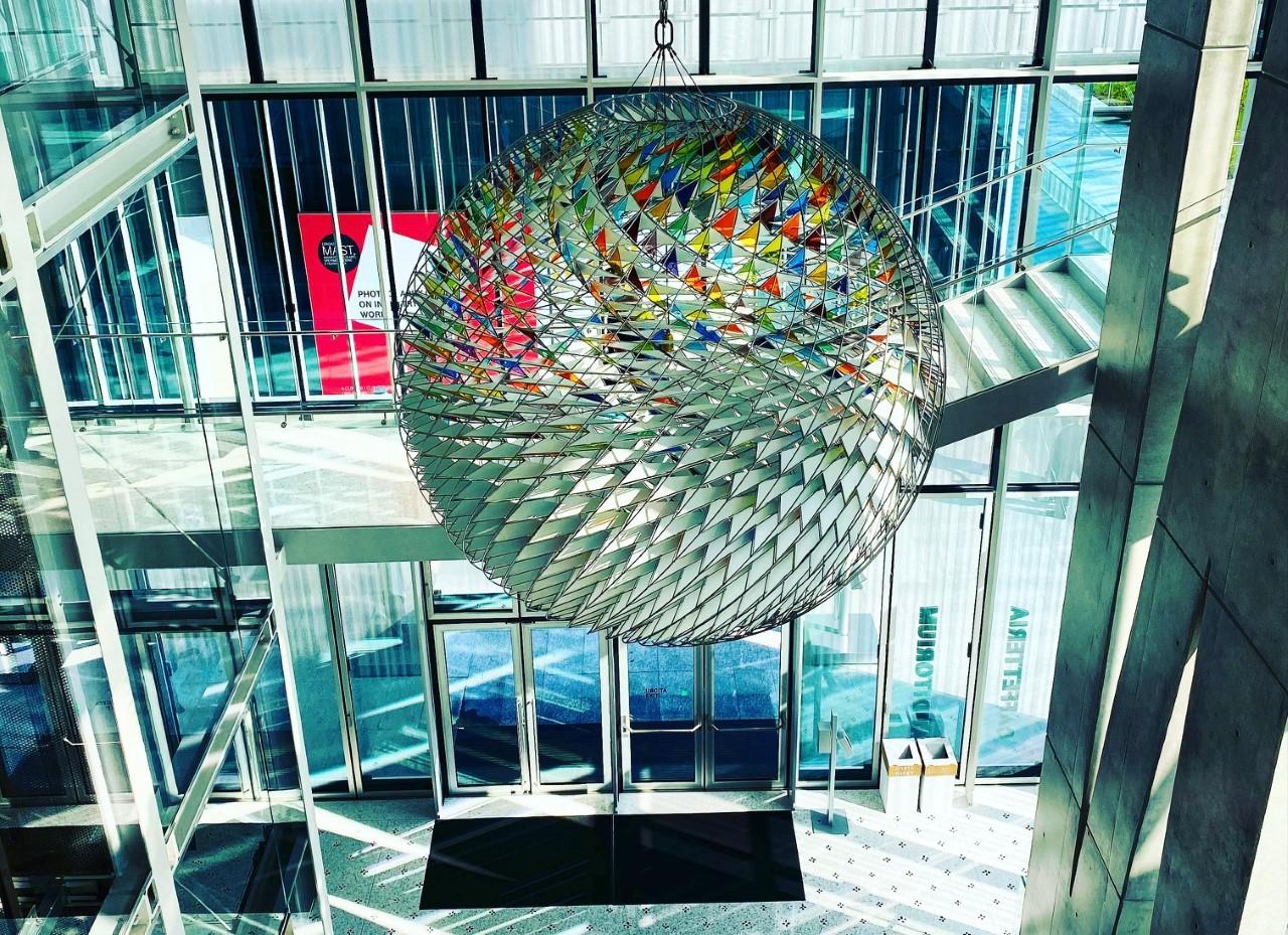 La Fondazione MAST si reinventa: guida alle iniziative digitali e ai percorsi espositivi