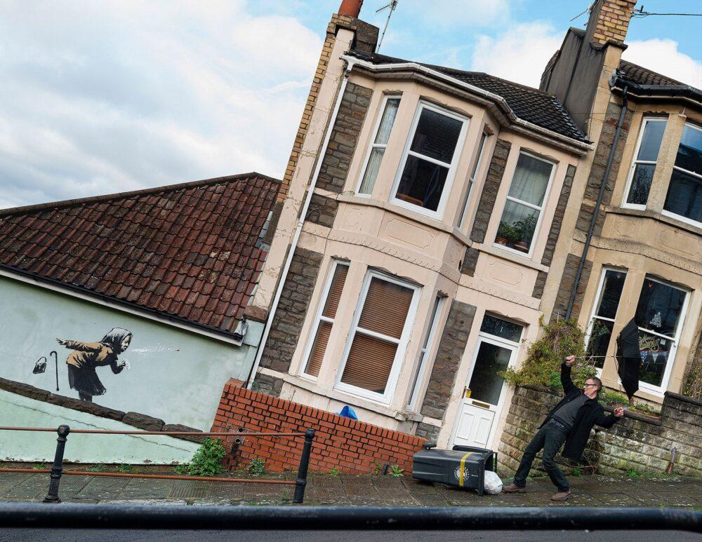 Nuovo murale di Banksy a Bristol