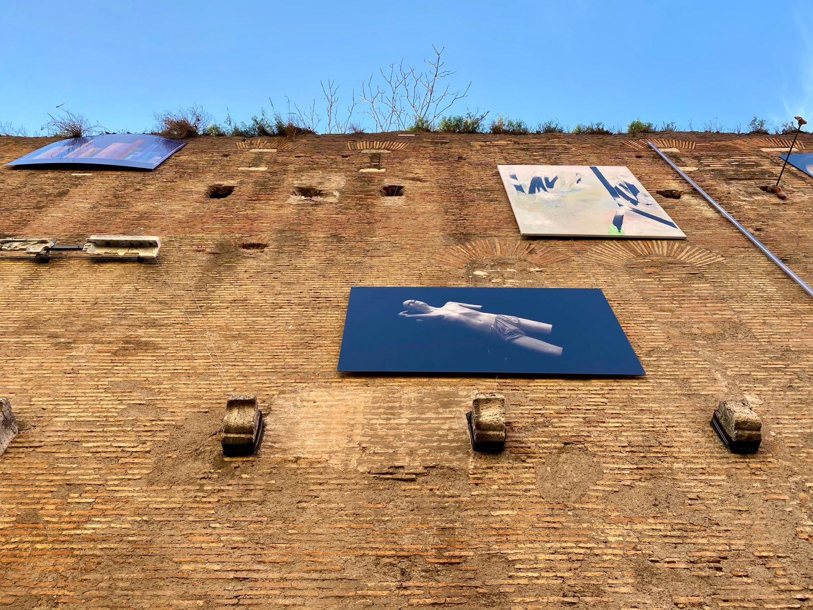 """""""Insieme"""" sulle Mura Aureliane. Mostra pubblica o anti-Quadriennale?"""