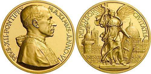 L'oro medagliato dei Papi. Successo per la collezione di Paolo Del Bello
