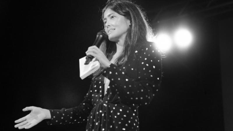 Linguaggio, poesia, voce, suono: la nuova performance virtuale di Nina Carini