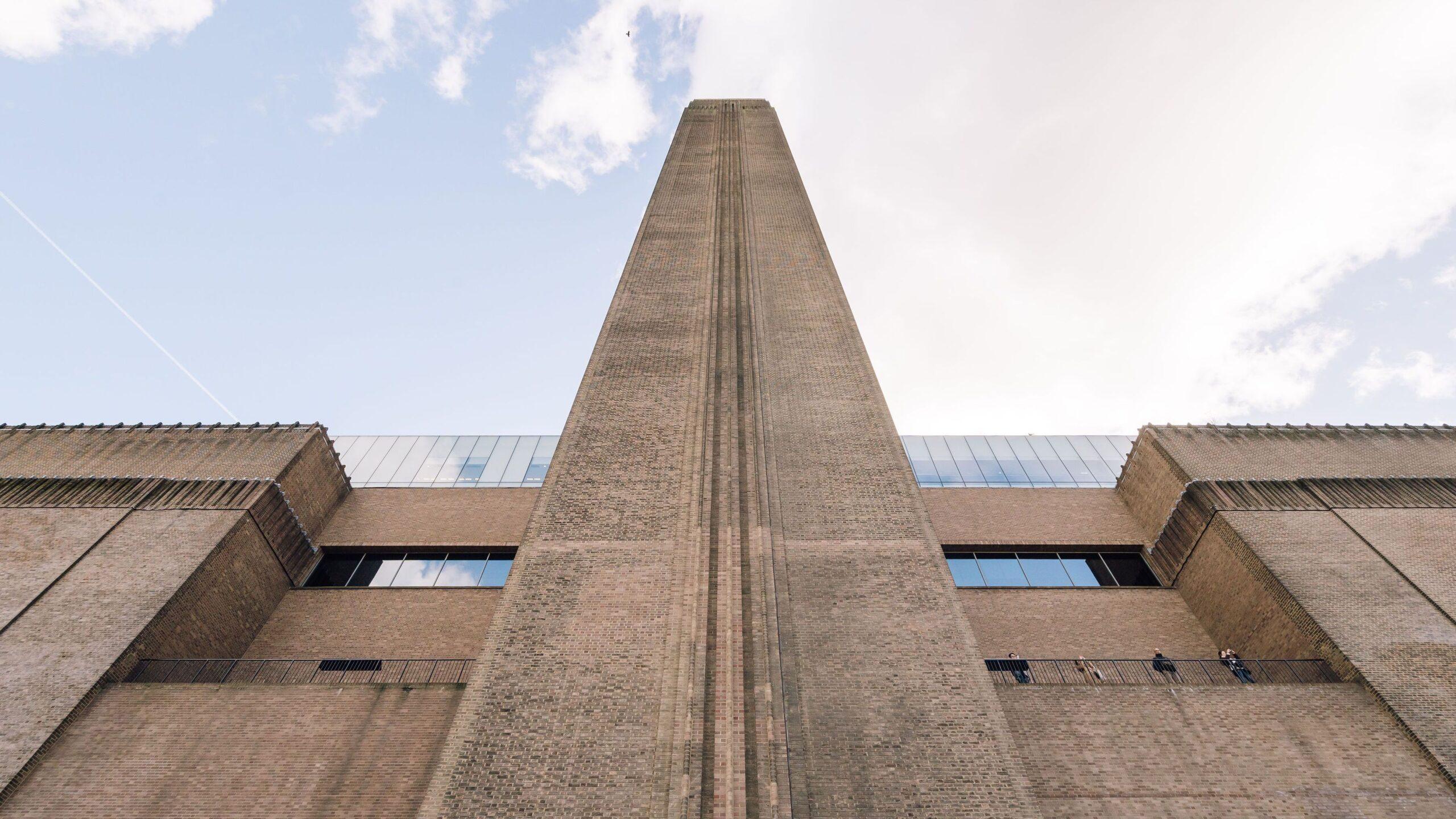 La Tate licenzierà 120 dipendenti a causa della prolungata chiusura