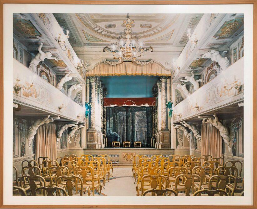 Candida Hoefer, Teatro di Villa Mazzacorati di Bologna, 2006, Digital C-Print, 205 x 252 cm, Cortesi Gallery