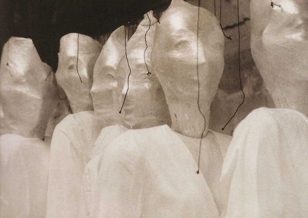 Martin Margiela debutta nell'arte con una mostra a Parigi