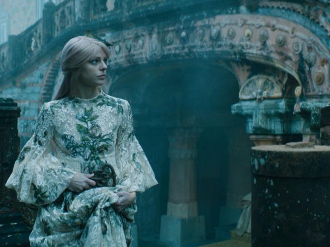 Agnese Claisse in una scena de Le Château du Tarot