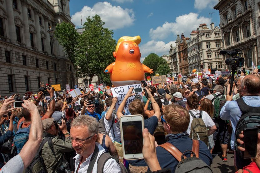 Baby Trump a London. Photo courtesy of the Trump Baby UK Twitter account