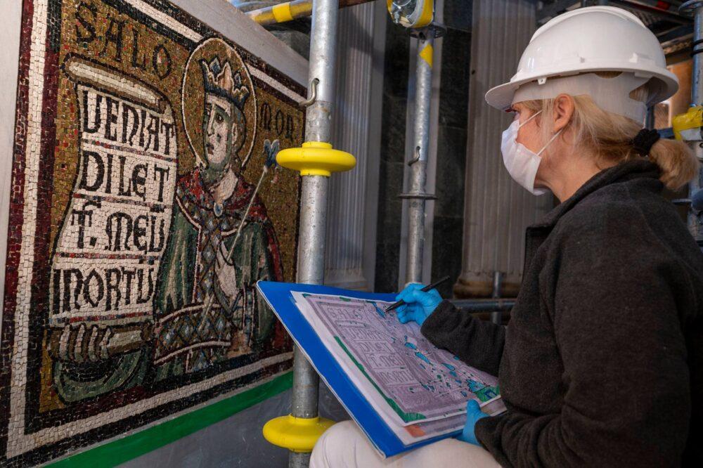 Interventi sui mosaici del Battistero di Firenze
