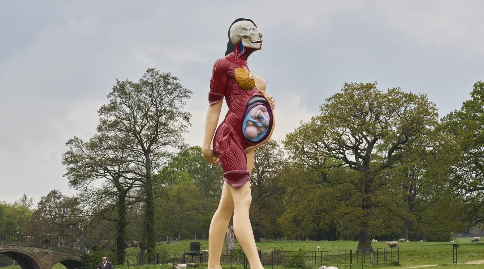 Vulve, forchette e tanto altro: le sculture più strane del mondo