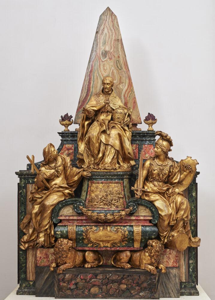 Pierre-Etienne Monnot, Modello del monumento funebre di Innocenzo XI Odescalchi, 1697 ca., legno dipinto e terracotta dorata. Roma, Gallerie Nazionali di Arte Antica.