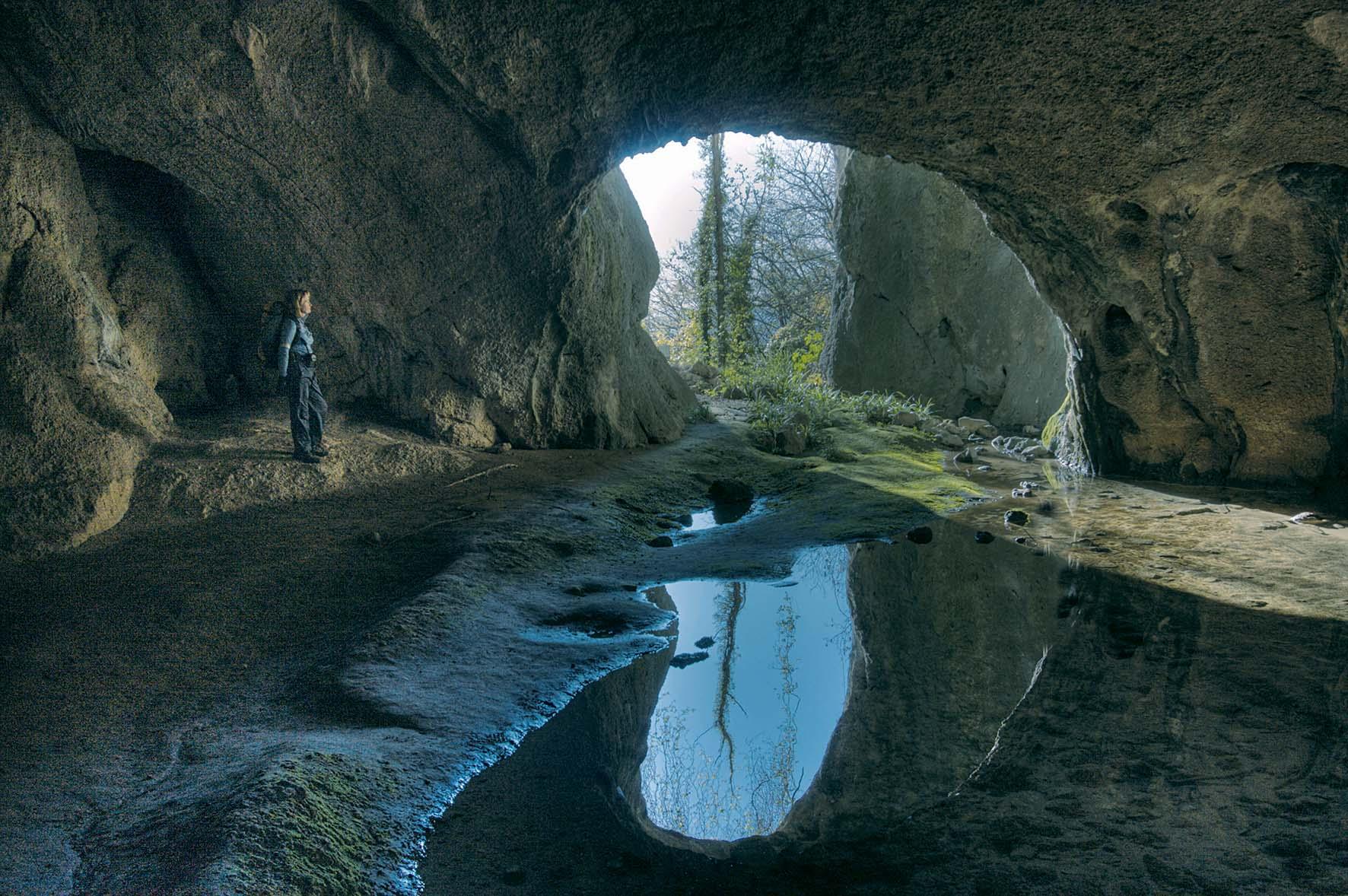 Antichi abitatori delle grotte in Friuli. Al Castello di Udine, un viaggio dal paleolitico ad oggi