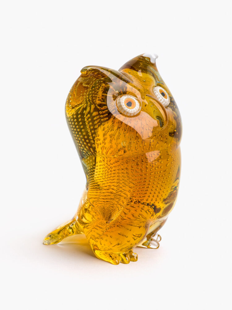 Civetta in vetro ambra con occhi a murrina, anni ottanta