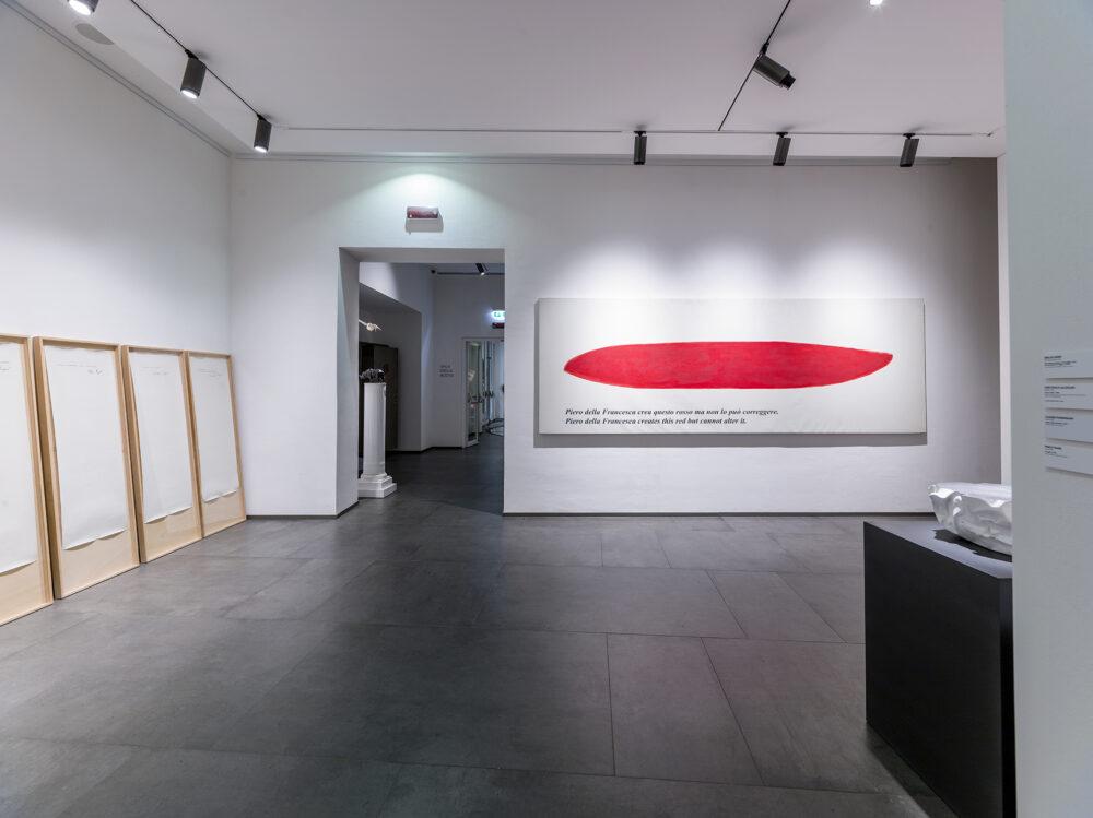 Emilio Isgrò, Piero della Francesca crea questo rosso ma non lo può correggere_2003 - Emilio Isgrò, Dichiaro di non essere Emilio Isgrò_1971
