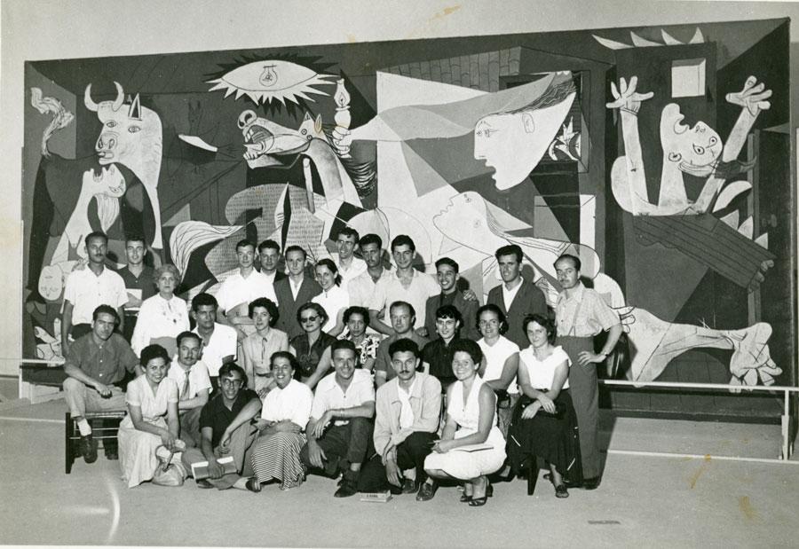 Guernica di Picasso esposta alla Biennale di San Paolo del 1954