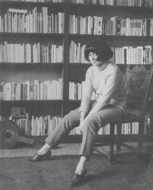 Marta Traba, critica d'arte e scrittrice argentino - colombiana (1930 —1983)