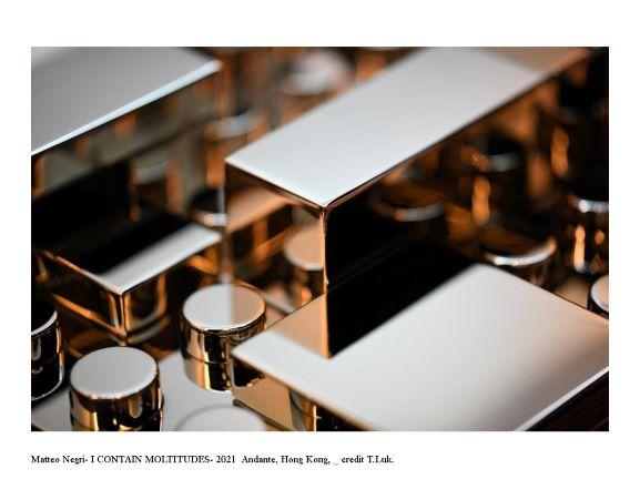 Minimalismo e terza dimensione. Matteo Negri sbarca a Hong Kong