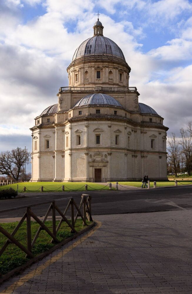 Santa Maria della Consolazione, Tempio Bramantesco di Todi