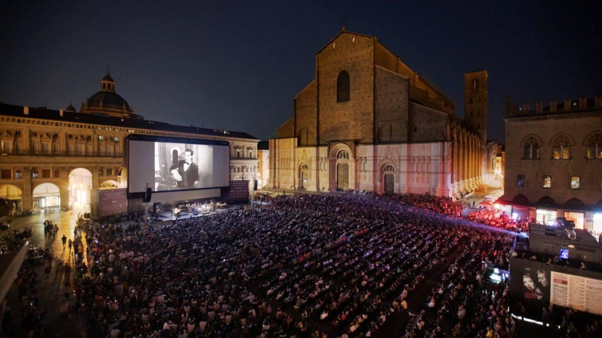 Sotto le stelle del Cinema: a Bologna (e non solo) la cultura rinasce dal cinema