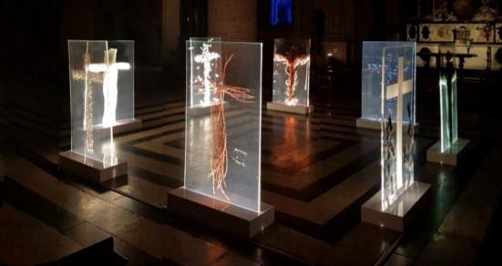 Appuntamento con il silenzio, il Mistero della Croce in mostra al Duomo di Torino